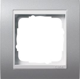 Afdekramen Gira Event kleur aluminium met zuiver wit glanzend